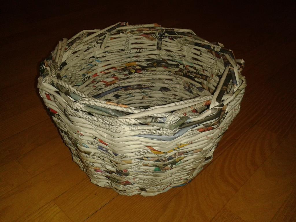 Wollkorb aus Altpapier, leer